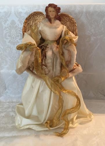 Engel mit Kleid